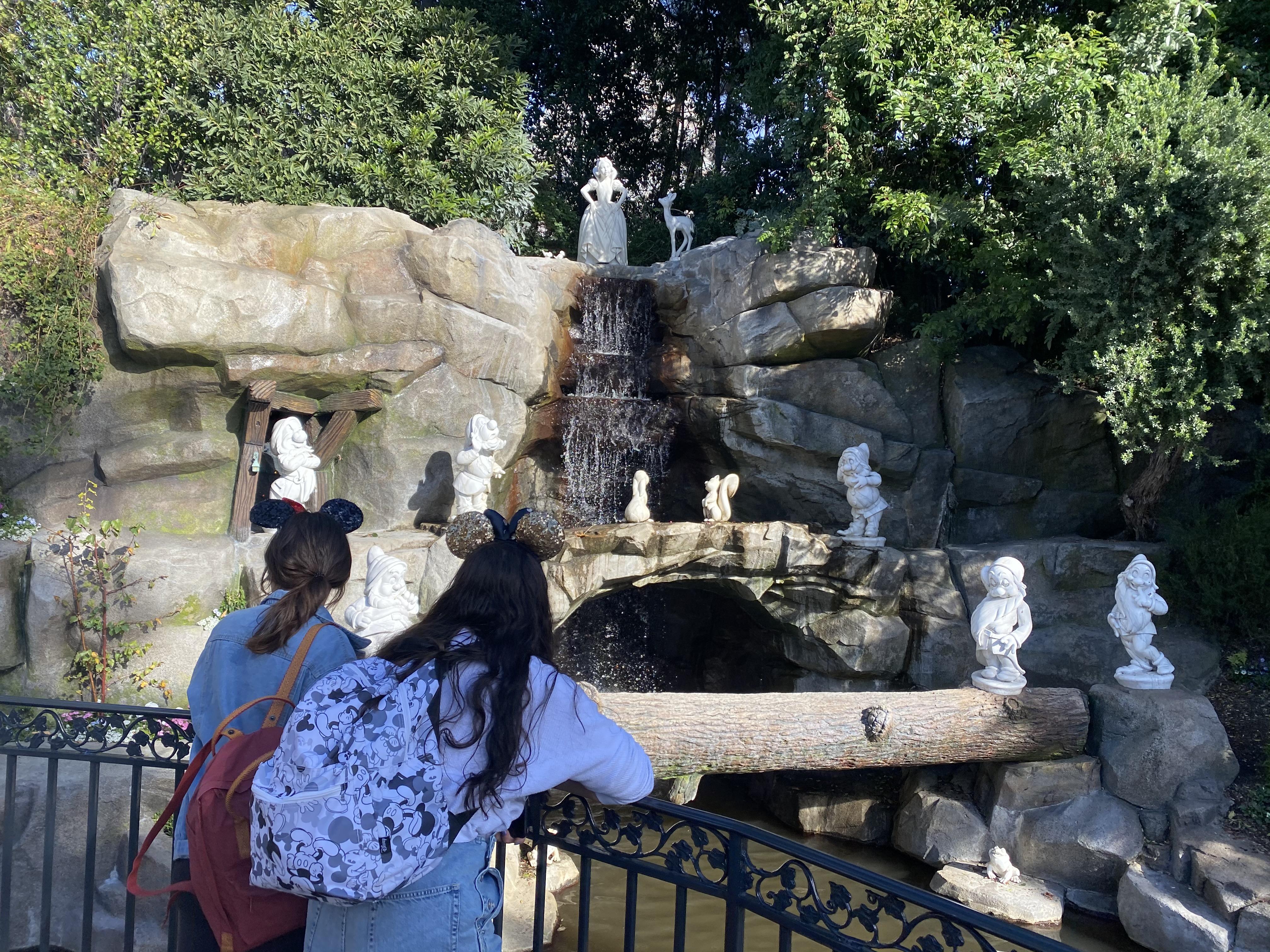 snow whites grotto