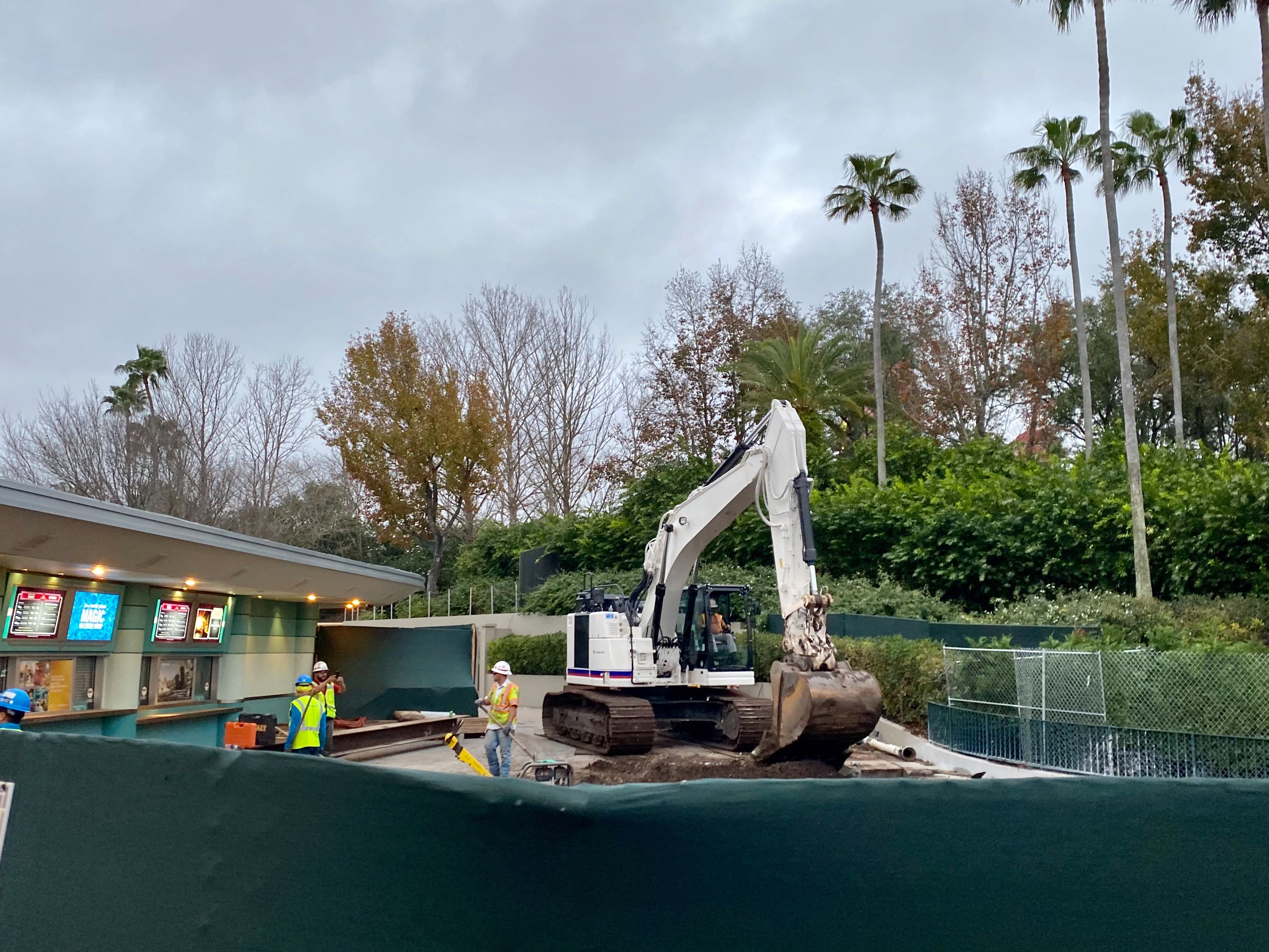 hollywood studios entrance construction