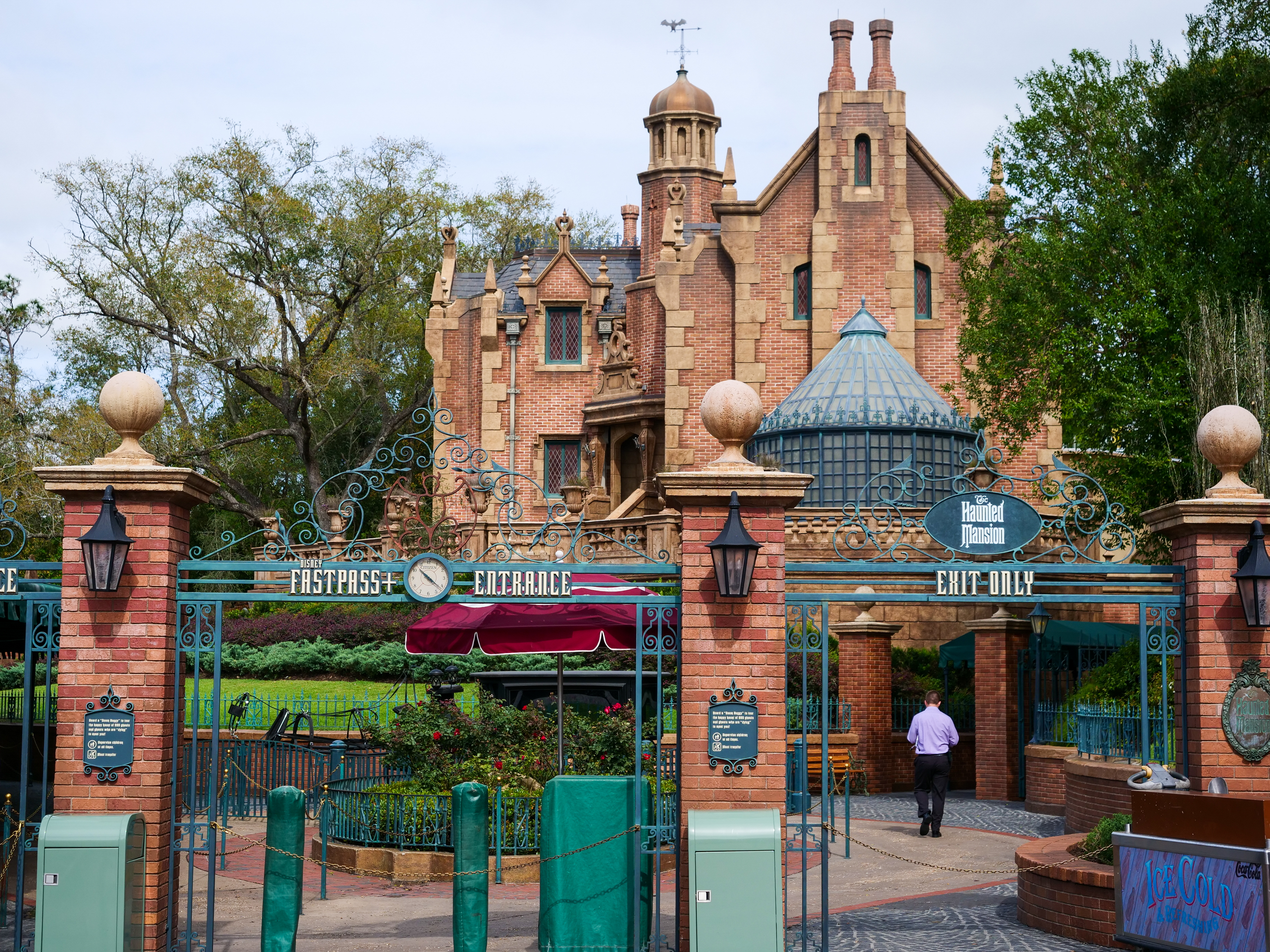 Haunted Mansion Closed