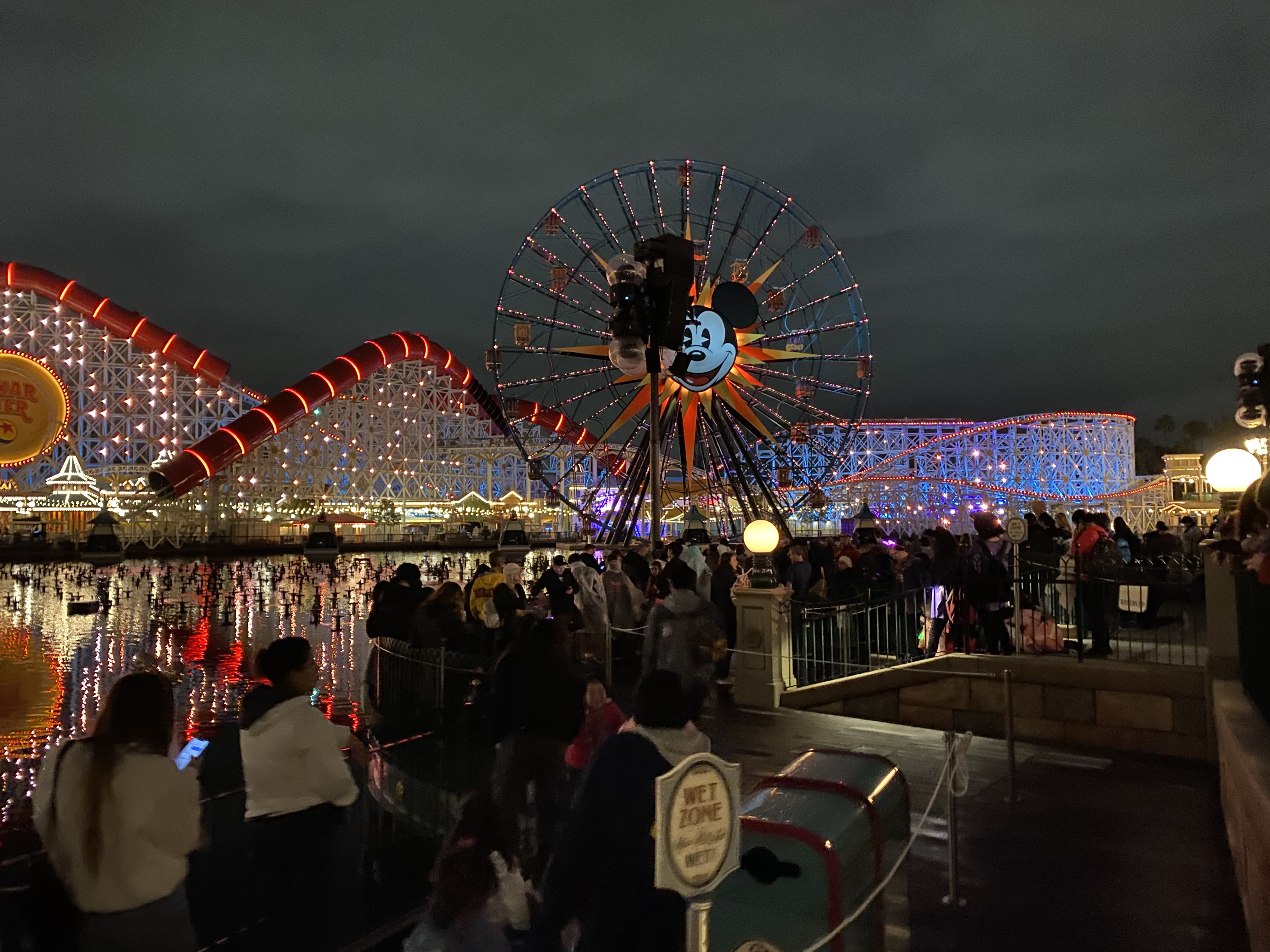 World of color crowds