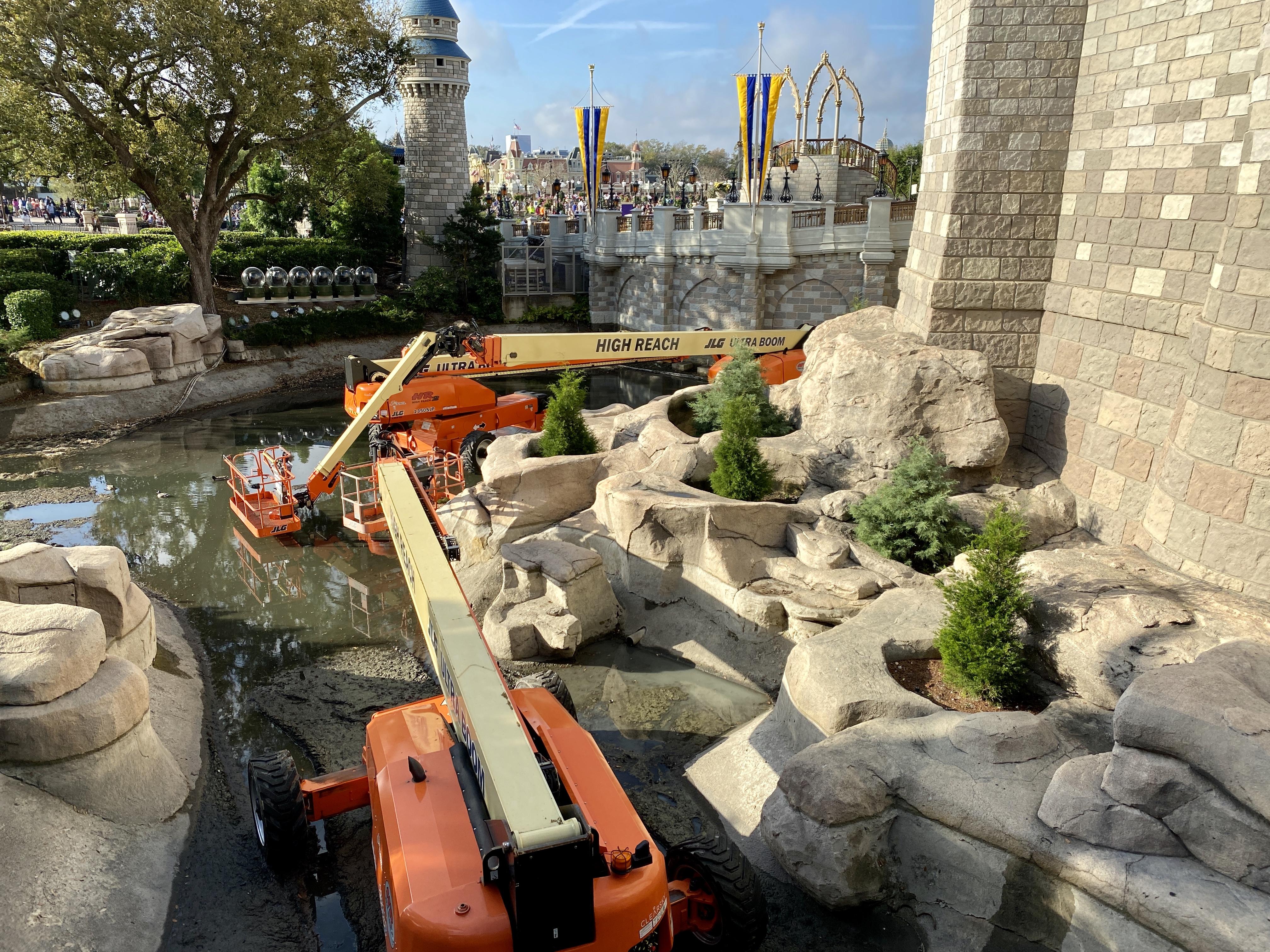 Cinderella caste moat machinery