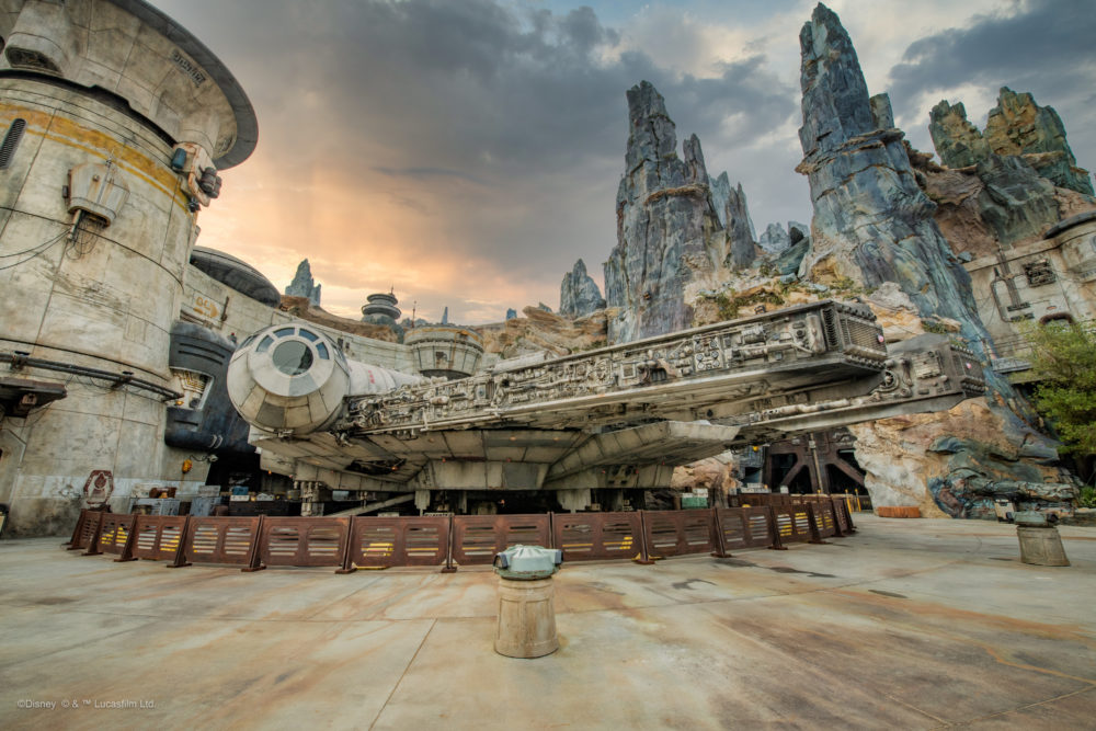 Photos Walt Disney World And Disneyland Resort Release Free Digital Wallpapers From Star Wars Galaxy S Edge Wdw News Today