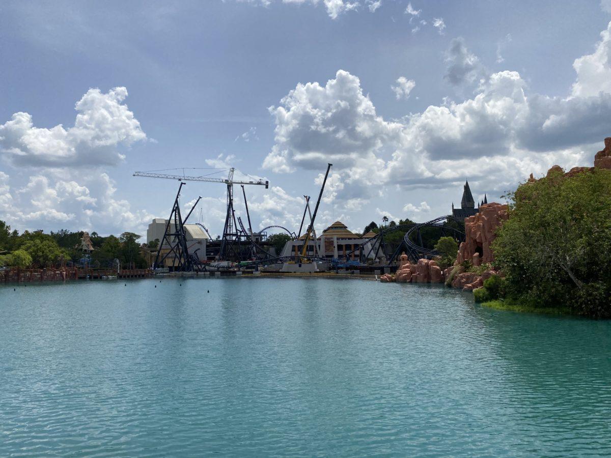 velocicoaster roller coaster construction jurassic park islands of adventure june 26 2020