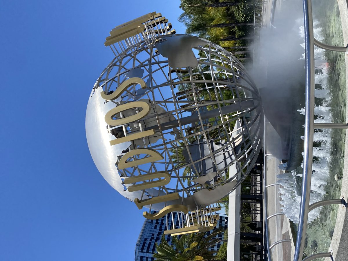 Universal Globe Hollywood