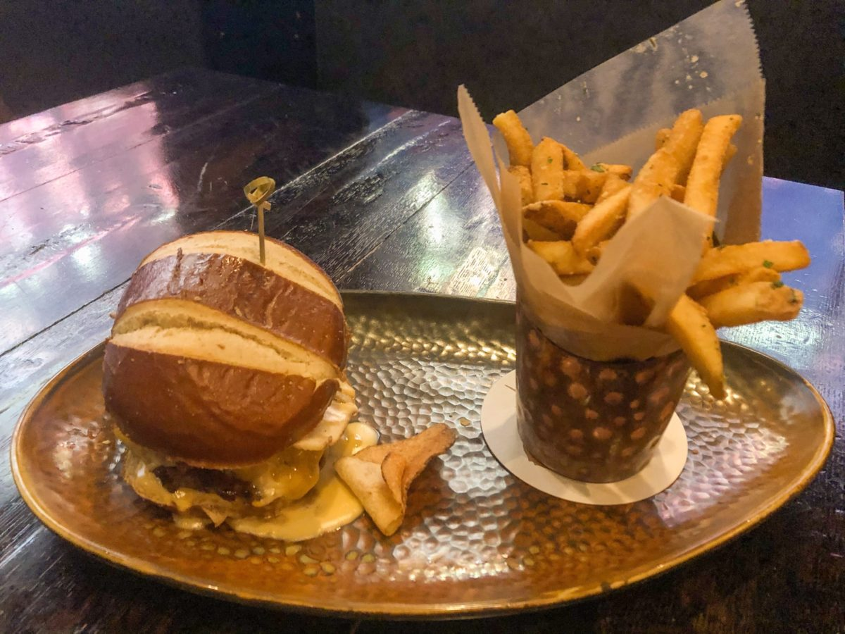 Pub it Up Burger CityWalk Toothsome