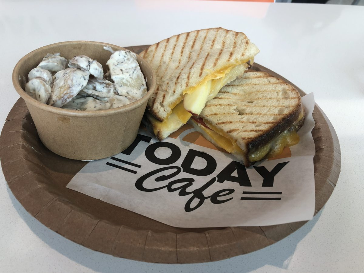 Today Cafe Big Apple Cheese Sandwich Universal Studios Florida