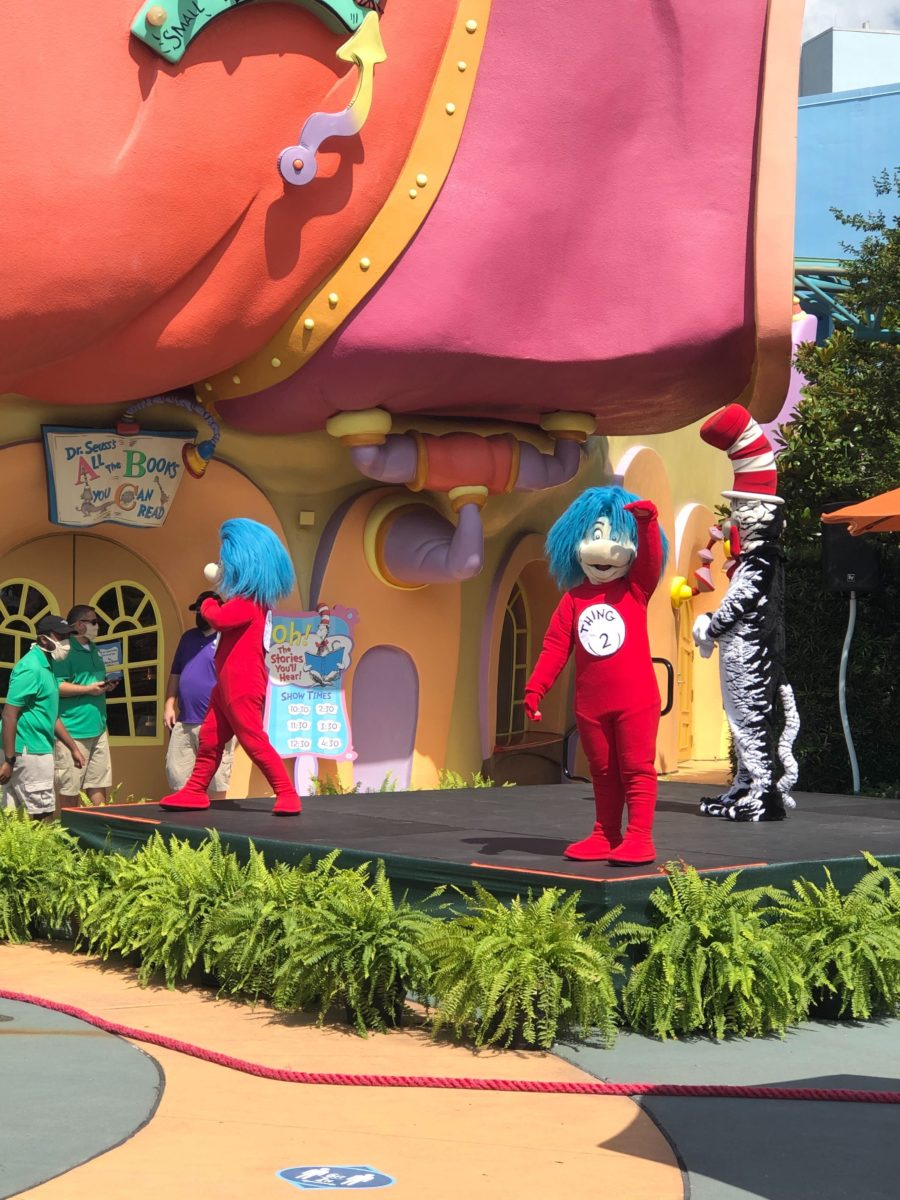 Thing 1 and Thing 2 meet and greet