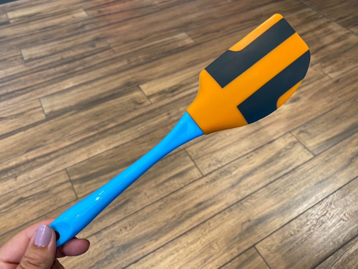 Donald Duck and Goofy Rubber Spatula Set - $19.99