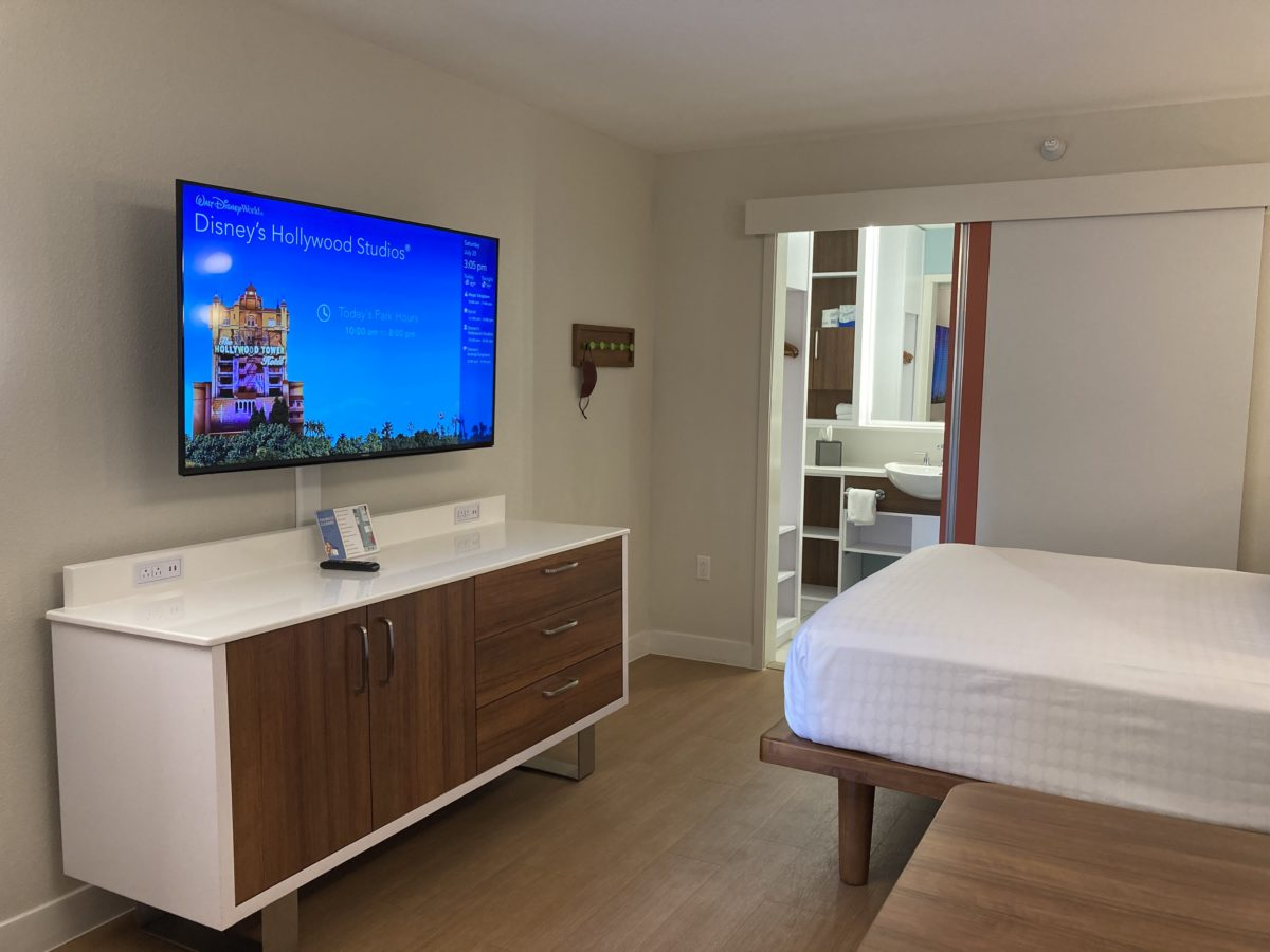 pop century resort room tv