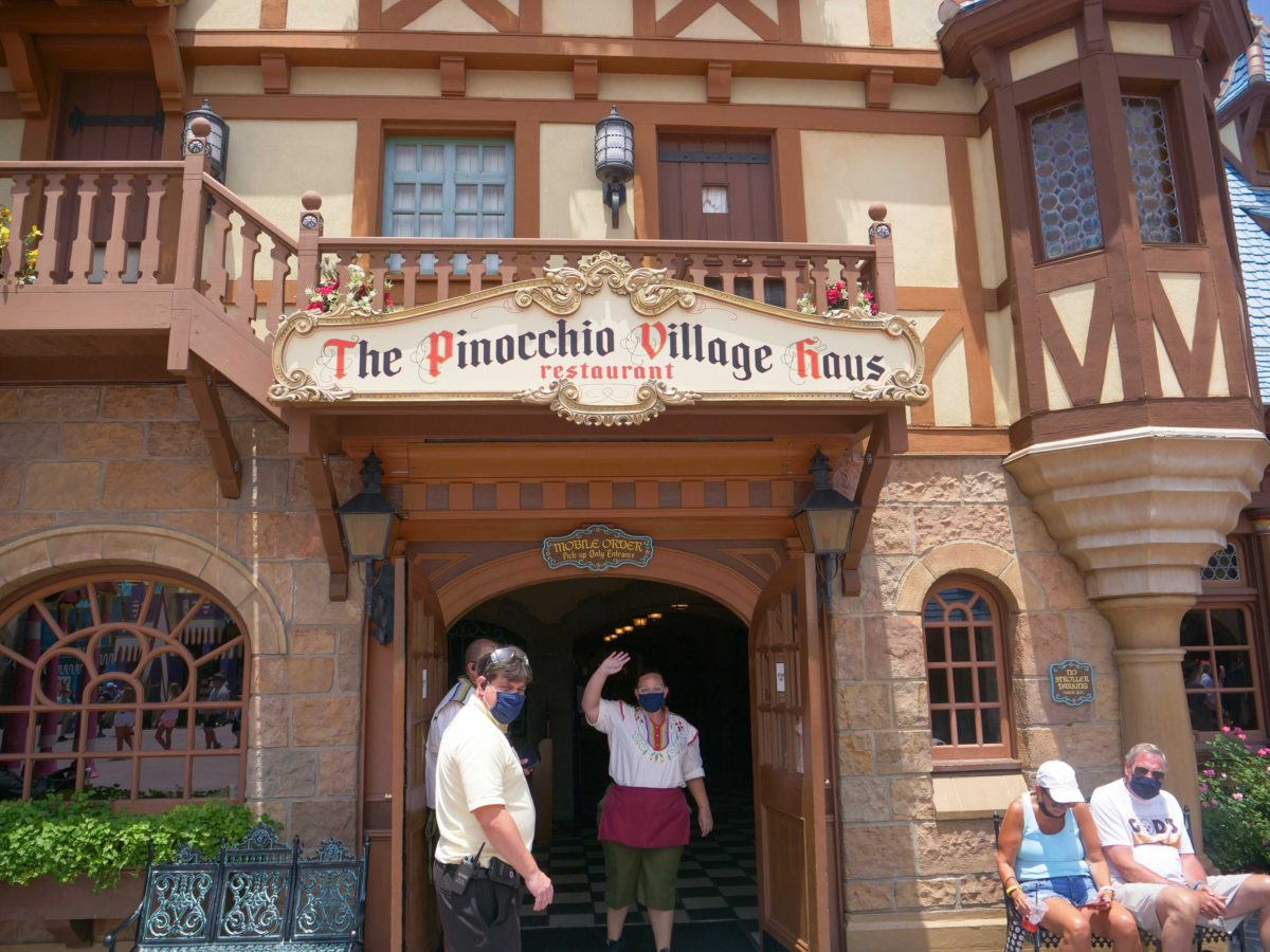 Pinocchio mobile order reopening entrance