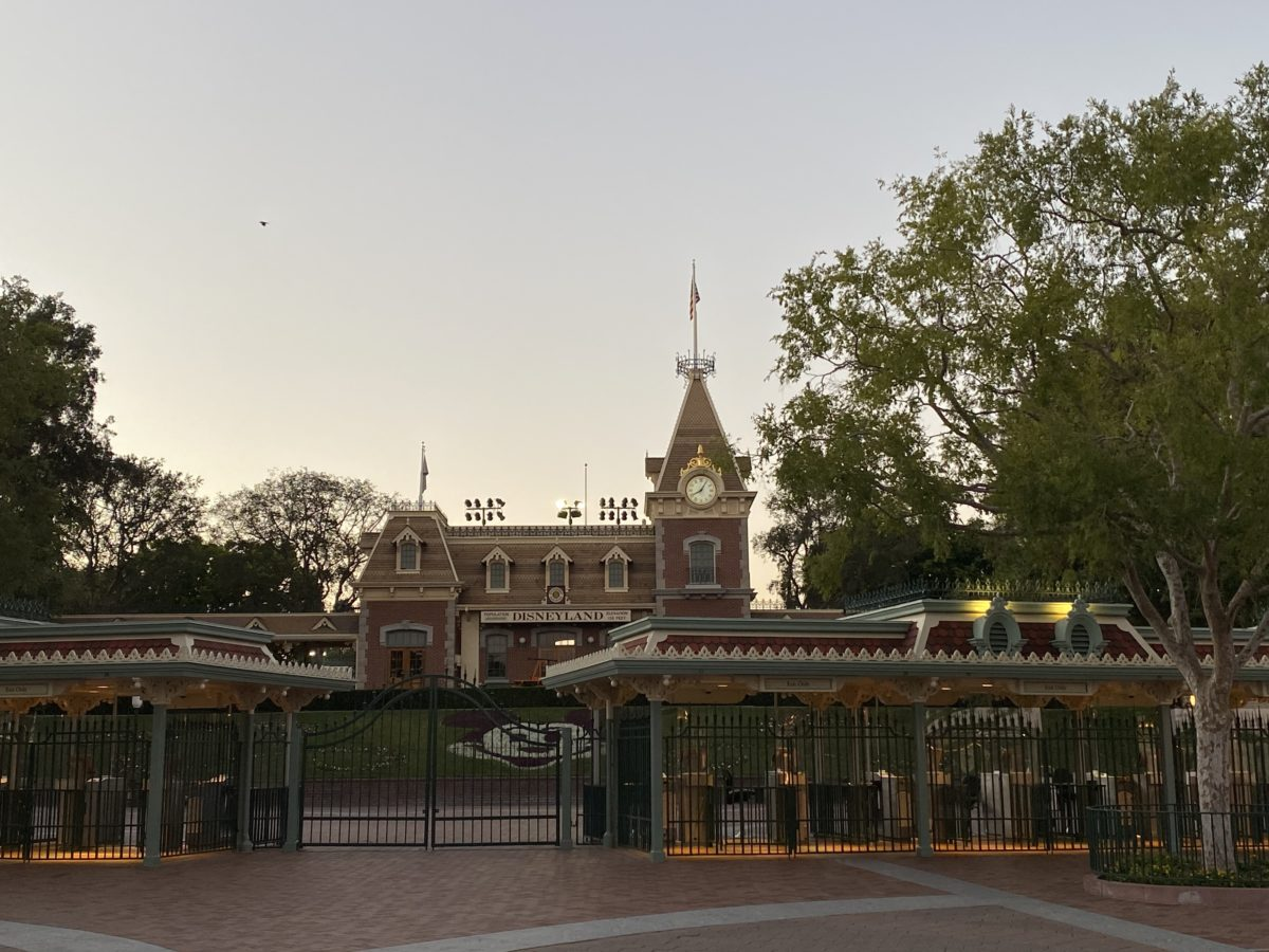Disneyland Closed Gate