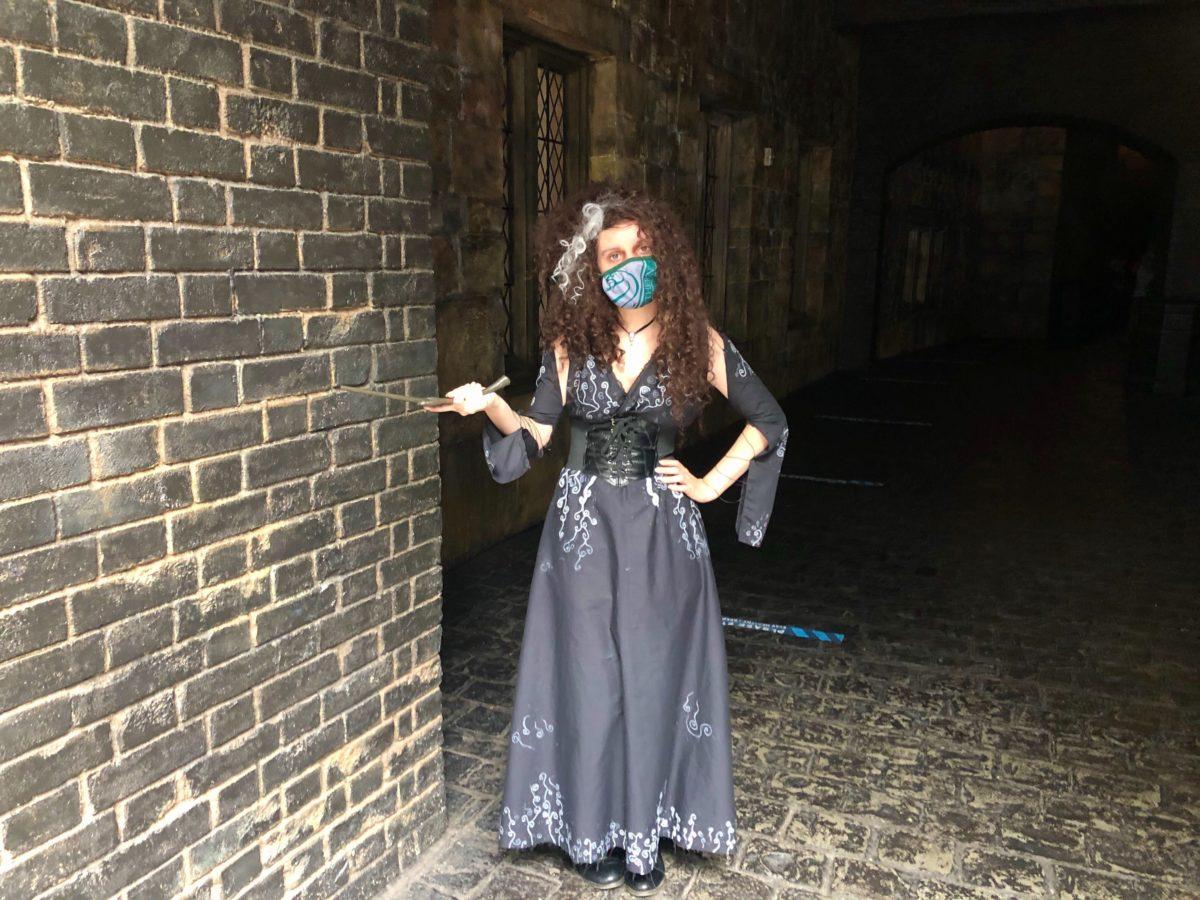 Bellatrix Lestrange Cosplay in Diagon Alley