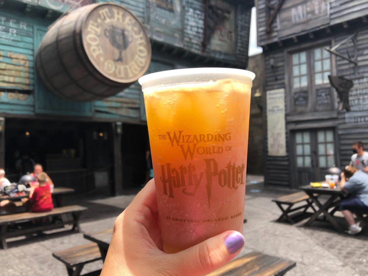 Peachtree Fizzing Tea from the Hopping Pot in Diagon Alley at Universal Studios Florida