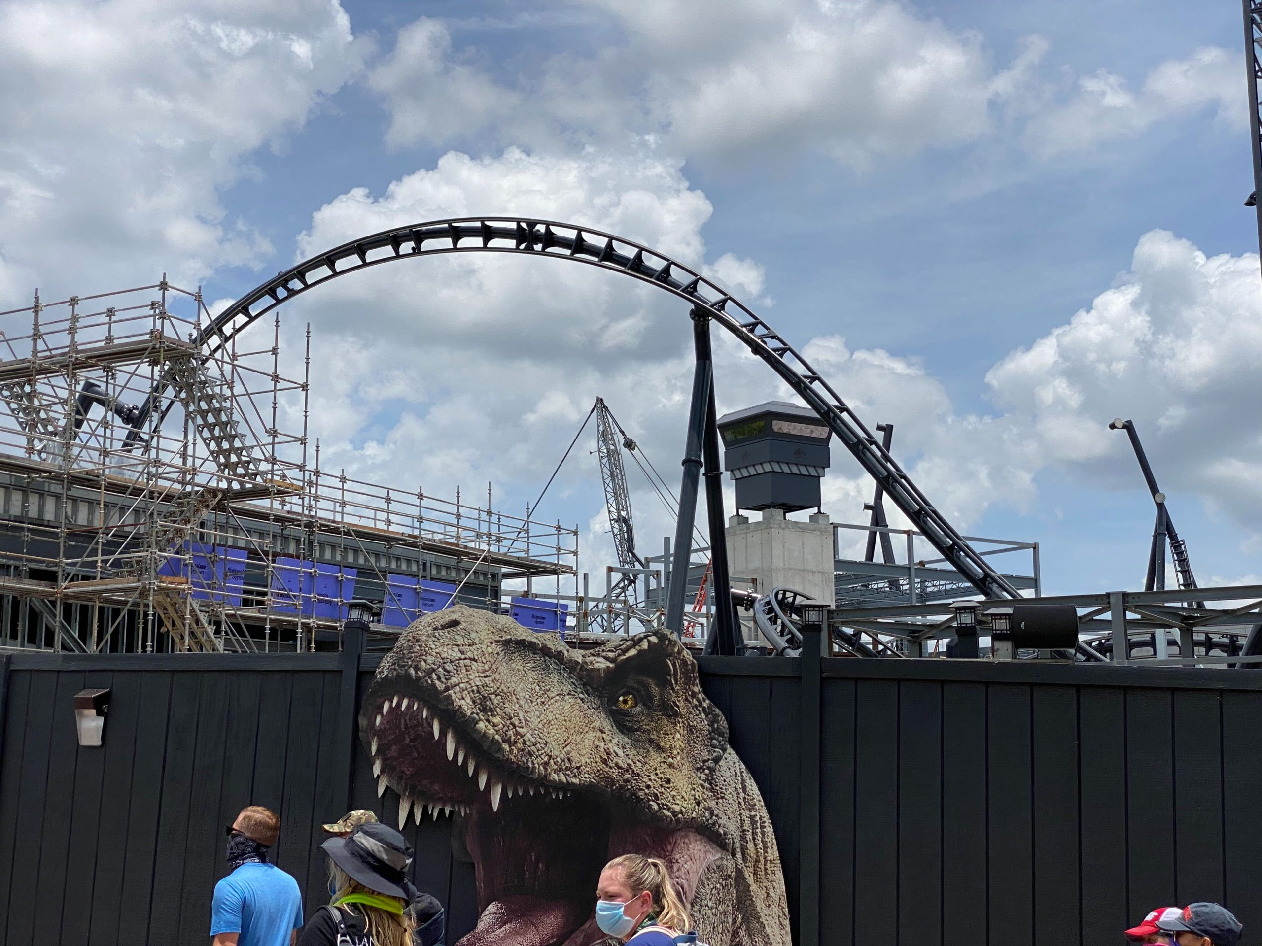 wdwnt.com - PHOTOS, VIDEO: Construction on Show Building and Rock Work Continues for 'Velocicoaster' In Jurassic Park at Universal's Islands of Adventure