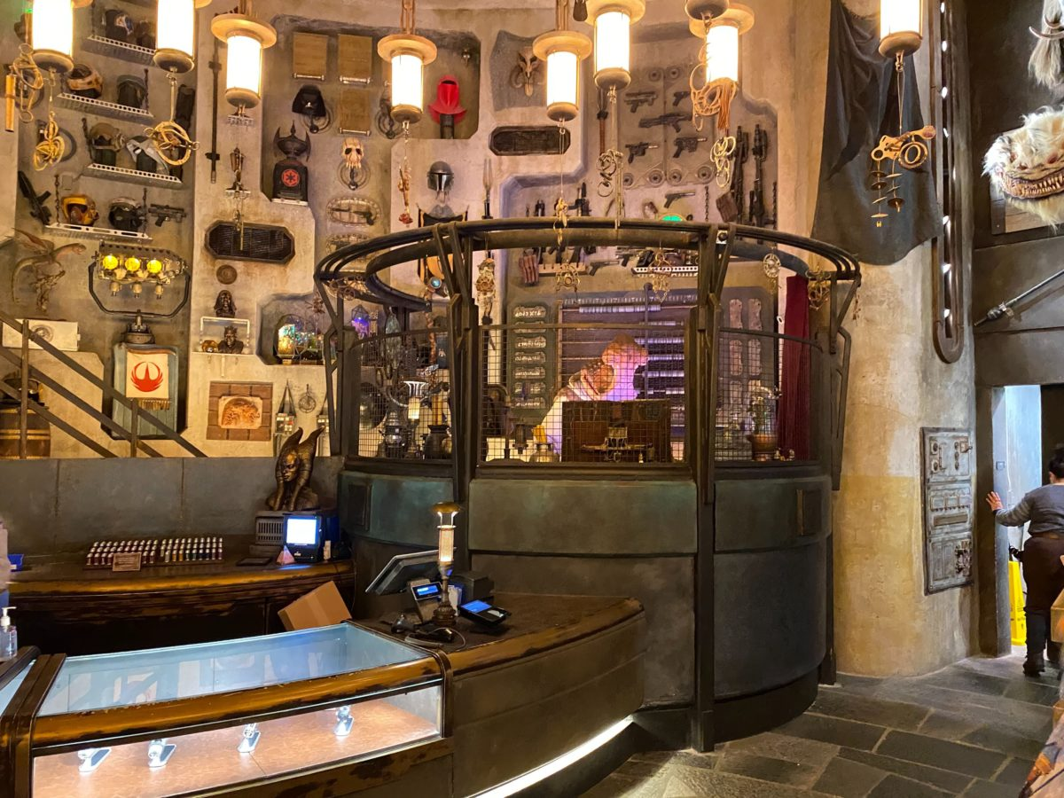Dok-Ondar's Den of Antiquities Reopens with Social Distancing at Star Wars: Galaxy's Edge in Disney's Hollywood Studios