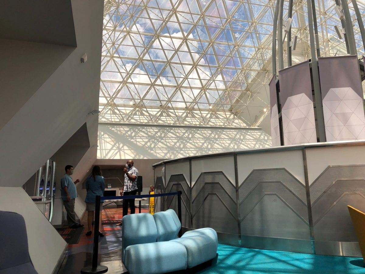 dvc lounge at epcot reopens