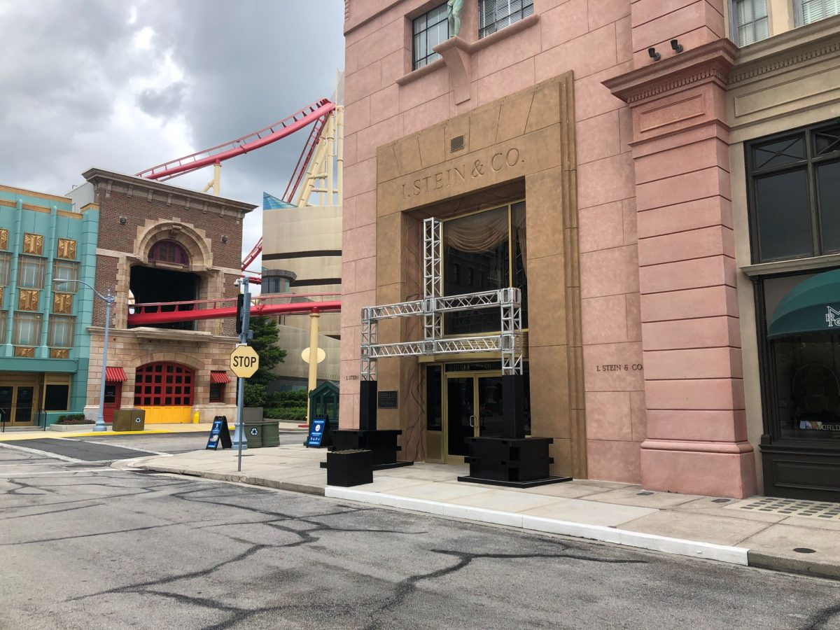hhn tribute store structure goes up
