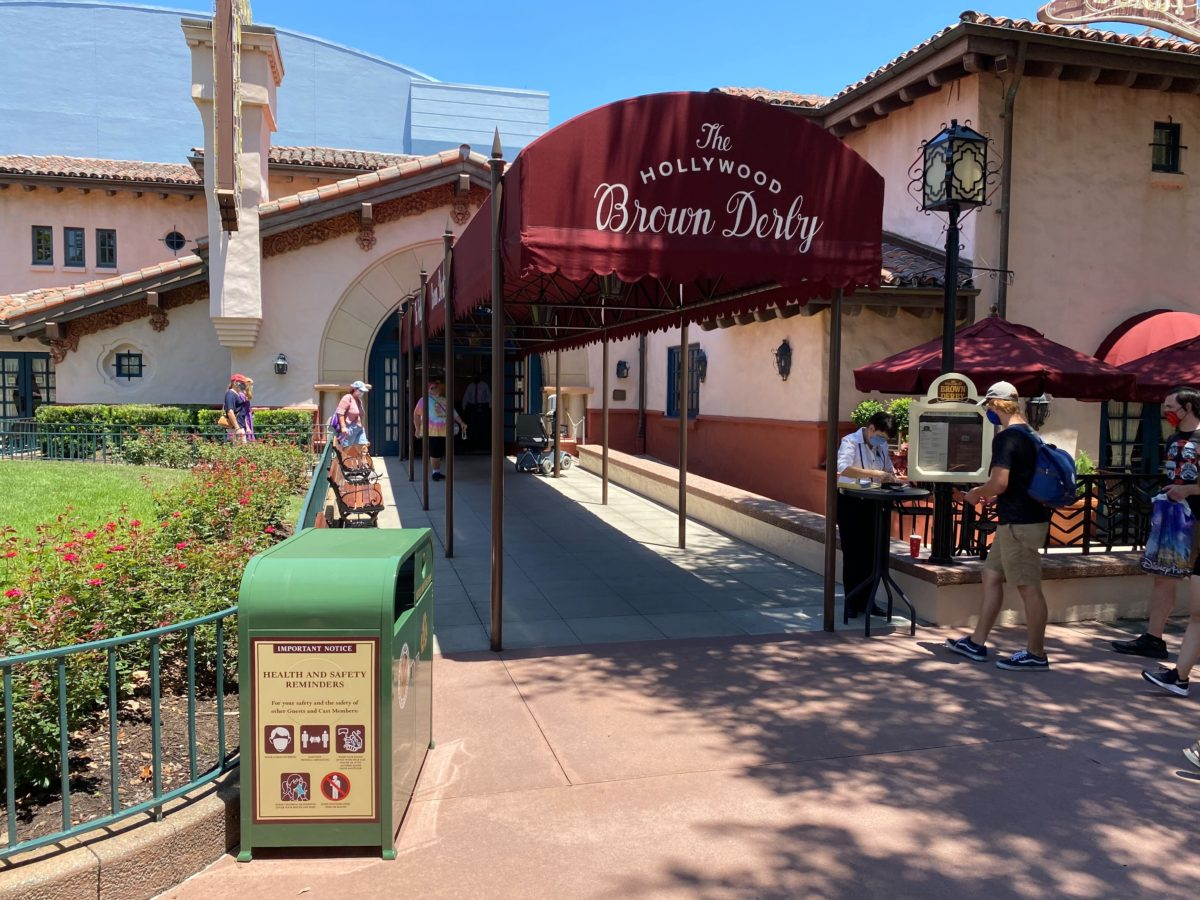 hollywood brown derby restaurant reopens
